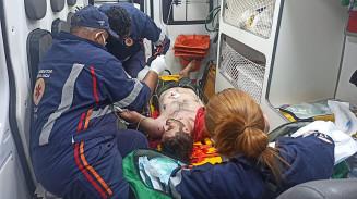 Guilherme foi socorrido pelo Samu; Foto: Sidnei Bronka/Ligado Na Notícia