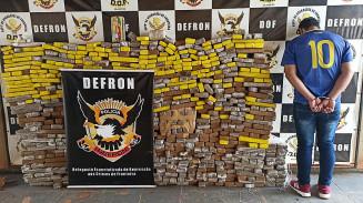 Droga totalizou 800 quilos, segundo a polícia; Fotos: Sidnei Bronka/Ligado Na Notícia