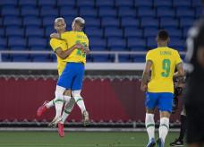 Atacante marcou os três primeiros gols no triunfo por 4 a 2; Foto: Lucas Figueiredo/CBF